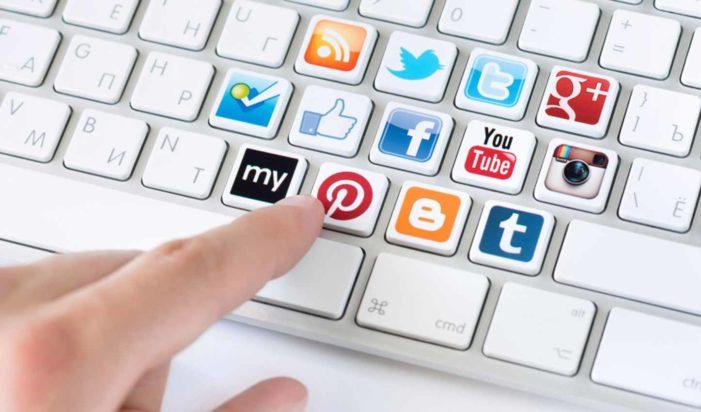 Potřebujete doménu, webhosting, serverhosting, nebo URL adresu?