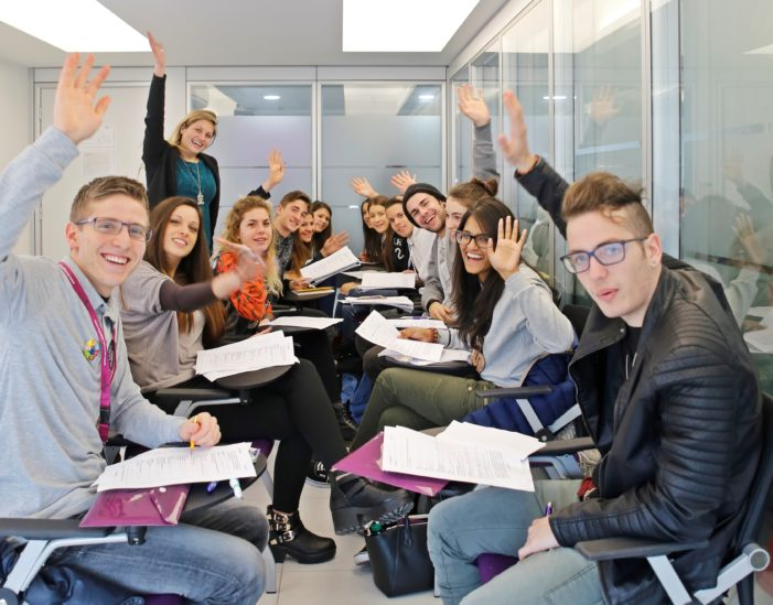 Jazykové kurzy v zahraničí  jsou i pro středoškoláky